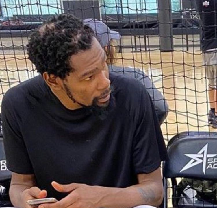 Kevin Durant S Hairstyle Goes Viral On Twitter Photo Game 7